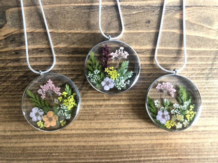 Bea-utiful-Creations-Floral-Pendants