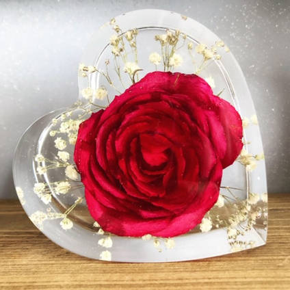 Bea-utiful-Creations-red-rose-resin-heart