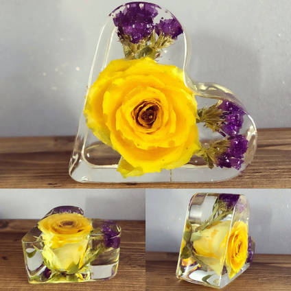 Bea-utiful-Creations-yellow-rose-resin-heart