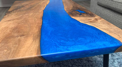 Electric-Blue-Table-Close-Up-by-The-Epoxy-Studio