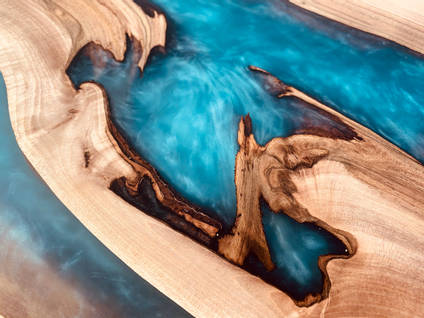 Highland-Haus-Epoxy-Blue-Rivers-Table-detail