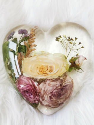 Large-Heart-Casting-by-Sparkles-Bespoke-Resin