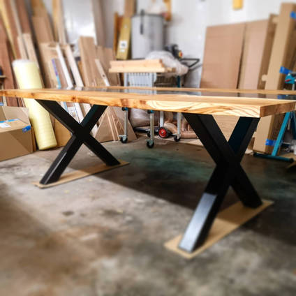 Table-in-the-workshop-by-Doug-Battle