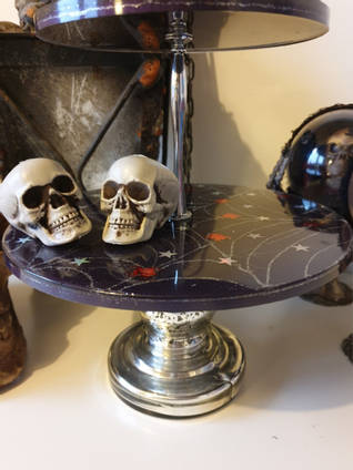 Spooky Resin Cakestand