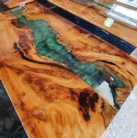Green Table Close-up Thumbnail